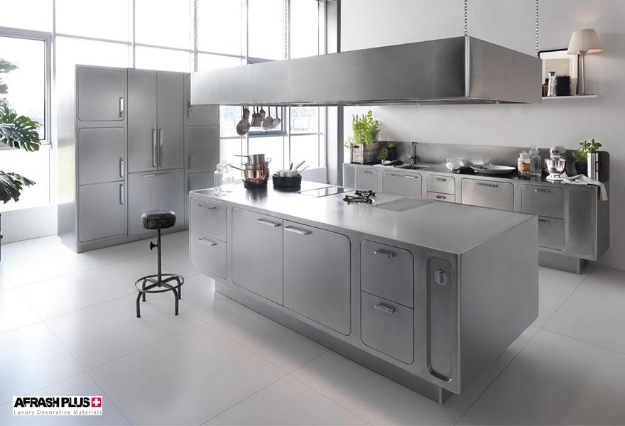 آشپزخانه مدرن با صفحه کابینت استیل