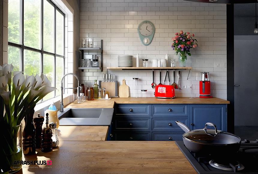 کابینت آشپزخانه U کلاسیک آبی رنگ و صفحه چوب طبیعی