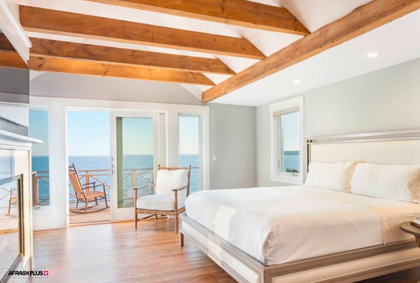 اتاق خواب سبک ساحلی با دیوار سفید