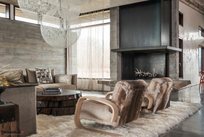 نشیمن سبک روستیک با دیوار چوبی و مبلمان پشمی