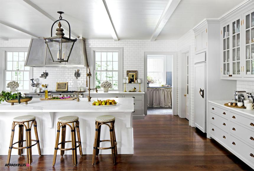 آَشپزخانه کلاسیک با تم رنگ سفید