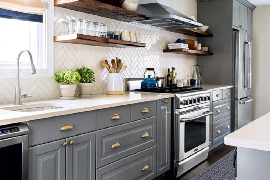 آشپزخانه مدرن و زیبا با بین کابینتی خاص