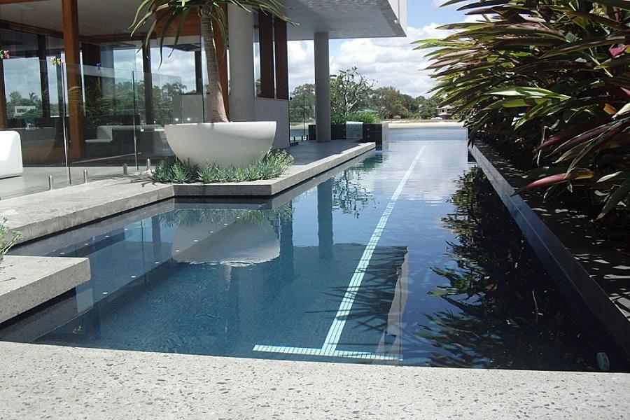 استخر مستطیل برای شنا