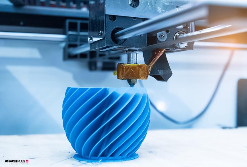 پرینتر سه بعدی در حال چاپ جسم چند وجهی