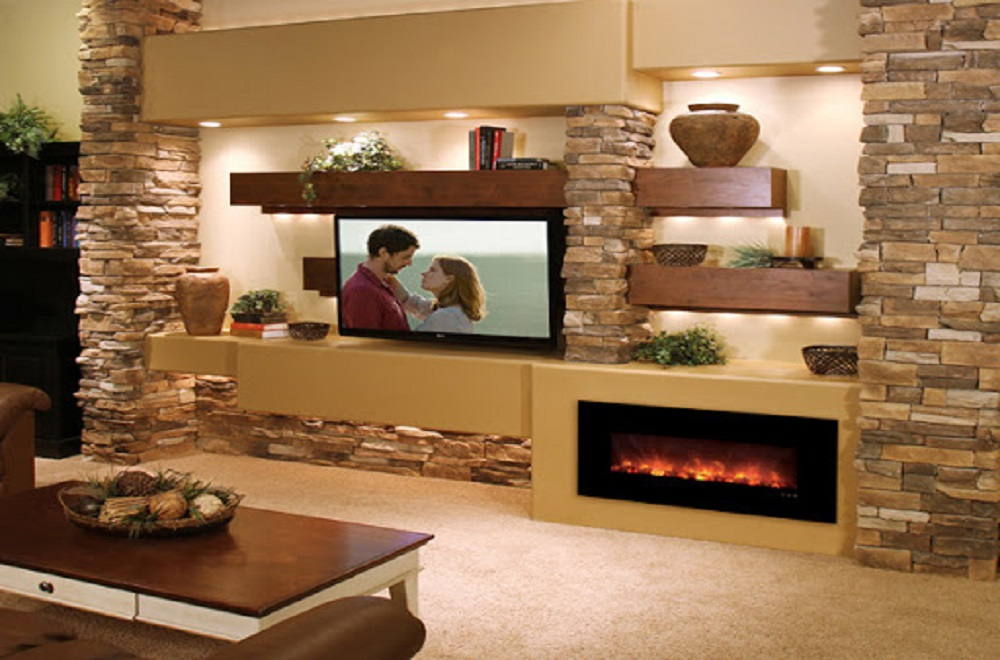 سنگ آنتیک کنار تلویزیون و شومینه