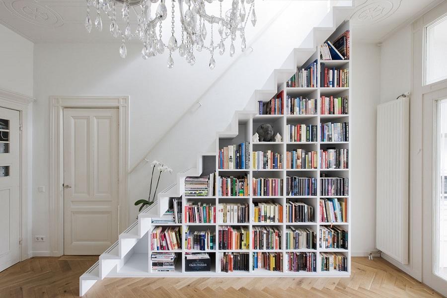 کتاب خانه در زیرپله